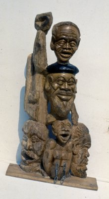 Sam Nujoma and Company, 1992. Yellow wood, 91.5 x 51 x 24.5 cm (Whereabouts unknown. Photo: MP)