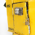 Isaac Nkululeko Makeleni - Mellow Yellow. Wire, tin, papier-m