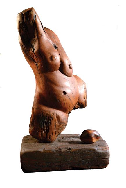 <em>Mama (Birth)</em>. 1982. Bluegum wood, 92 x 53 x 27 cm (Image courtesy of DAG)