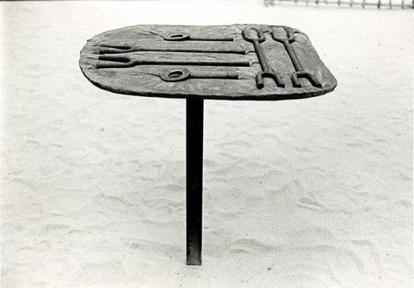 Objects to Hold in the Hand, 1976. Steel and cement