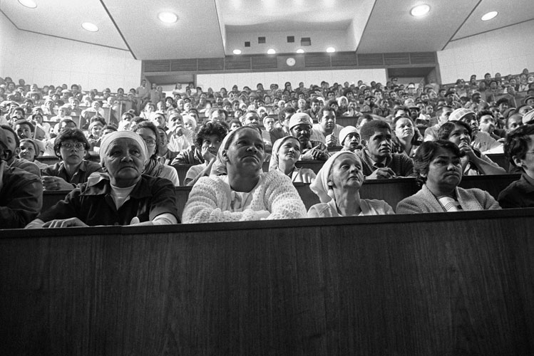 Omar Badsha - UCT workers at union wage meeting