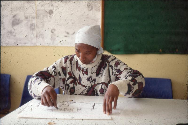 Sophie Peters, Visual Arts Group workshop, Zolani Centre, Nyanga East, 1992 (photo: MP)